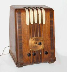 Vintage 1930's Emerson Radio w/ Ingraham Exotic Wood Cabinet