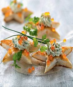 Uncover our fast and simple recipe of Toast aperitif on Delicacies Actuelle! Finger Food Menu, Party Finger Foods, Healthy Cooking, Healthy Recipes, Snacks, Holiday Baking, Kraut, High Tea, Cocktail Recipes