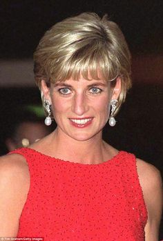 Channel 4 follow the life and death of Diana in the latest episode of the Royal House of Windsor. They speak with her former aide Patrick Jephson who opens his private archives.