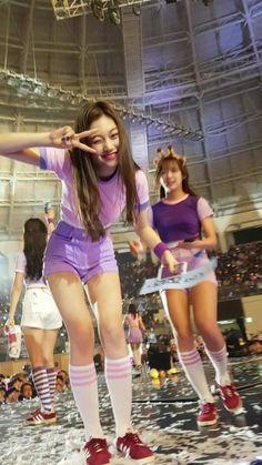 © 도어멈 ♡ do not edit Kpop Girl Groups, Kpop Girls, Ioi Nayoung, My Girl, Cool Girl, Jung Chaeyeon, Choi Yoojung, Kim Sejeong, Pre Debut