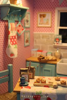 Miniatures - kitchen miniatur, blythe diorama, polka dots, blythe dolls, cath kidston, dollhouse furniture, shabby chic kitchen, doll houses, kids toys