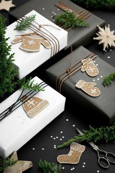 Decoration Christmas, Christmas Gift Wrapping, Christmas Presents, Christmas Diy, Christmas Recipes, Wrapping Ideas, Wrapping Papers, Wrapping Gifts, Diy Holiday Gifts