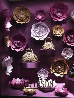 Smythson window display (Zoe Bradley Design) #retail #merchandising #window_display #paper #flowers