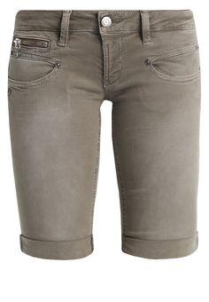Freeman T. Porter BELIXA - Jeans Shorts - dustee olive für 55,95 € (05.01.18) versandkostenfrei bei Zalando bestellen.