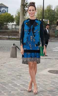 Bérénice Bejo at the LV fashion show! best print on print on bold green!