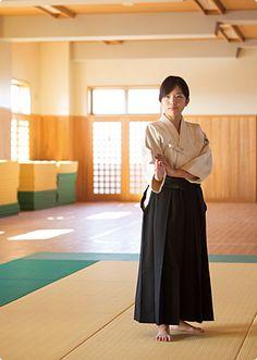 Komatsu | Colegio de Mujeres de Tokio de Educación Física de la Facultad de Educación Física de la Mujer de Tokio