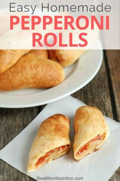 This easy, homemade Pepperoni Rolls recipe makes a fun dinner or satisfying snack. Great in lunch boxes too! Homemade Pepperoni Rolls Recipe, No Cook Meals, Kids Meals, Pizza Bites, Pizza Pizza, Ham And Cheese Pinwheels, Easy Lunch Boxes, Frozen Pizza, Quick Weeknight Dinners