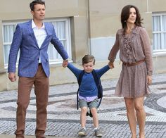 Even Princes don't like school! Prince Frederik and Princess Mary drag an adorable Prince Christian along to his first day of school. COOL DRESS