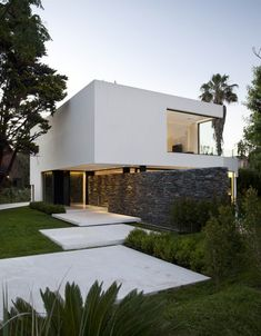 """Carrara House by Andres Remy Arquitectos """"Location: Pilar, Buenos Aires, Argentina"""" 2010"""
