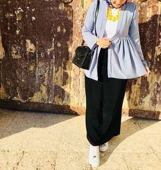 Office inspiration Hijab Dress Party, Hijab Style Dress, Islamic Fashion, Muslim Fashion, Arab Fashion, Mod Fashion, Fashion Women, Casual Hijab Outfit, Hijab Chic