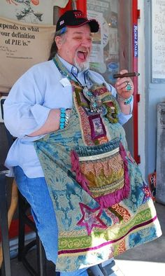 Bud Royer living life and feeding the masses who descend on Round Top, Texas for fun and antiques.  Cant wait for their pie on Saturday.....