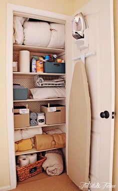 TIDBITS & TWINE: Organizing the linen closet!