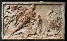 MITHRAS TÖTET STIER / RÖM. RELIEF. Art / Roman, late 3rd century.  Mithras killing a sacred bull.  Relief. Stone, traces of gilding, 90 × 48cm. Inv. no. 205837.