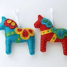 Dala Horse Felt Ornaments by Lova Revolutionary