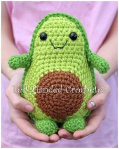 Crochet Toys Ideas Free Crochet Avocado Pattern - oh my! Learn how to crochet this Toy Avocado Friend. Isn't he the absolute CUTEST EVER! Free Crochet Pattern for Kawaii Avocado Lovers Crochet Diy, Crochet Food, Crochet Crafts, Crochet Dolls, Crochet Projects, Craft Projects, Ravelry Crochet, Craft Tutorials, Diy Crafts