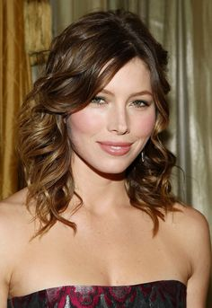 Jessica Biel - summery + natural make-up (not the hair)