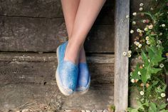 Metallic Flat Espadrille is a vacation must. It's made in a chic combination of shiny laser and rustic jute. Perfectly packable. A must have in your getaway wardrobe.#Gaimo #espadrilles