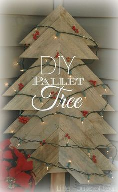 Wow, now THIS is one awesome pallet Christmas tree! (instructions available)