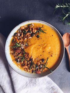 Soupe de courge butternut, carottes et poireaux - Clemfoodie