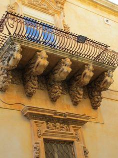 Baroque balcony in Noto