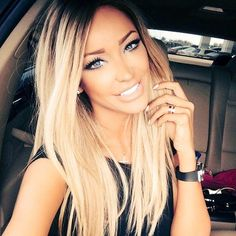 love this ombre hair color Hair Blond, Ombré Hair, Hair Dos, New Hair, Black Roots Blonde Hair, Curly Hair, Blonde With Dark Roots, Blonde Bangs, Blonde Ombre