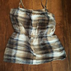 Vintage inspired Billabong tank Grey plaid. Only worn once. Would also fit a small. No visible holes or stains. Billabong Tops Tank Tops