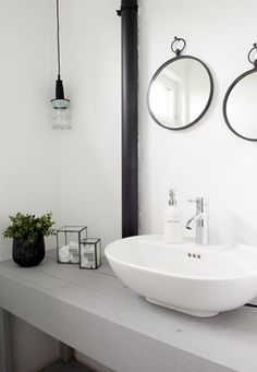 Many people certainly want a bathroom with a luxurious impression without reducing space in the house. By using an elegant bathroom design, you will produce a bathroom that looks comfortable and sp… Scandinavian Bathroom Design Ideas, Scandinavian House, Scandinavian Interiors, Bathroom Toilets, Laundry In Bathroom, Bathroom Basin, Bad Inspiration, Bathroom Inspiration, Diy Interior