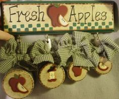 Vintage Look Apple Pie Kitchen Wall Decor Set too cute
