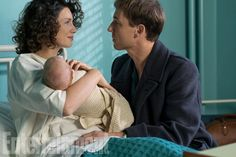Outlander Season 3-EW has obtained an exclusive first look at season 3 of Outlander, when Claire (Caitriona Balfe) gives birth to Brianna — her daughter with Jamie (Sam Heughan) — and introduces him to Frank (Tobias Menzies), the man who will raise her. Claire is back in 20th-century Boston because Jamie forced her to leave Scotland due to the impending Battle of Culloden.