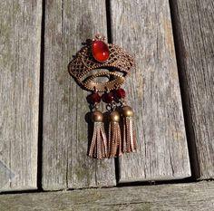 Large Vintage Brooch Crown Pin Braided metal by TobysArtwear, $22.00