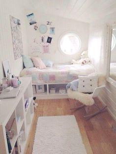 たとえばこの部屋の世界観をつくっているのは ・ピンク、水色、...|MERY [メリー]