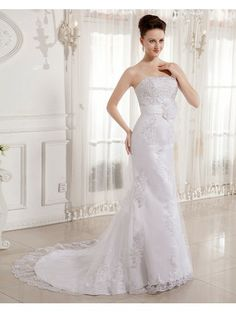 By carolyn carr trumpet/mermaid strapless sleeveless chapel train tulle wed Wedding Dresses 2014, Tulle Wedding, Wedding Dress Styles, Tea Length Wedding Dress, One Shoulder Wedding Dress, Tulle En Satin, Video Rosa, Evening Dresses, Prom Dresses