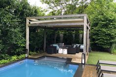 The combination of a pergola and retractable shade lengthens the time spent outdoors from the typical short summer window. With the press of a button, the retractable shade will extend to protect from the hot summer rays or retract when the sun shines just right. #retractableshade #outdoorliving #retractableawning #retractablecanopy #backyardpatio #retractablepergola #sunprotection #outdoorstructures #backyardretreat #rainprotection #waterproofcanopy Retractable Shade, Retractable Pergola, Modern Pergola, Modern Backyard, Backyard Retreat, Backyard Patio, Outdoor Spaces, Outdoor Living, Outdoor Decor