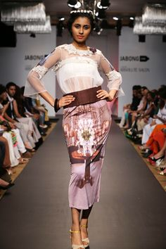 Crop top with printed Lycra pencil skirt