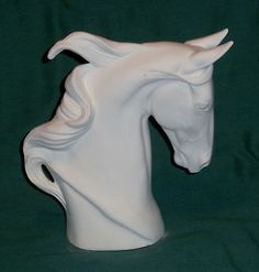 CERAMIC BISQUE- SADDLEBRED HORSE BUST  HORSE FIGURINE TROPHY BUST