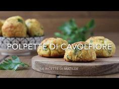 Le polpette di cavolfiore al forno sono un ottimo modo per far mangiare il cavolfiore ai bambini, che generalmente non lo amano particolarmente Finger Foods, Baked Potato, Side Dishes, Food And Drink, Veggies, Potatoes, Gluten Free, Keto, Healthy Recipes