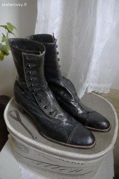 Bottines , chaussures anciennes de femme en cuir noir Brocante de charme atelier cosy.fr