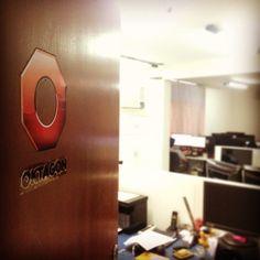 Nos estúdios da @oktagongames !