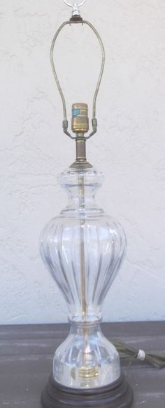 What are some ways to find vintage table lamps?