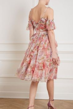 Titania Rose Tulle Dress in Ivory from Needle & Thread's New Season Collection. Tulle Dress, Chiffon Dress, Lace Dress, Floral Fashion, Fashion Dresses, Needle And Thread Dresses, Layered Look, Everyday Fashion, Beautiful Outfits