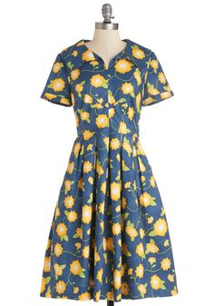 Vintage Inspired dress- could work for 1940s or 1950s fashion  #1940sfashion #plussize