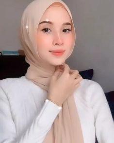 hi dear❤️ here is another tutorial from @nenamansoor, hope u like it❤️ Stylish Hijab, Modest Fashion Hijab, Modern Hijab Fashion, Street Hijab Fashion, Hijab Casual, Hijab Fashion Inspiration, Muslim Fashion, Fall Fashion, Simple Hijab Tutorial