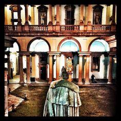 #Milanocityufficiale #milanotoday #milan #milanodavedere #milanocityofficial #milanstagramcom #ilovemilano #ig_Milan #milan #instapic #tagsforlike #pictoftheday #Brera #pinacoteca by ikarissa_badrinarayan