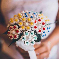 A lego boquet! 27 Breathtaking Alternatives To A Traditional Wedding Bouquet Tacky Wedding, Lego Wedding, Quirky Wedding, Diy Wedding, Wedding Ceremony, Wedding Ideas, Reception, Nontraditional Wedding, Wedding Prep