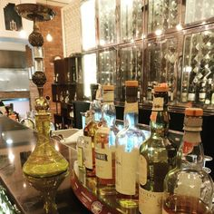 Fancy spirits and an old-fashioned hookah (waterpipe) on display at Jyran restaurant where we had a most wonderful North Indian meal. #darlingweekend #familytime #dadsbirthday