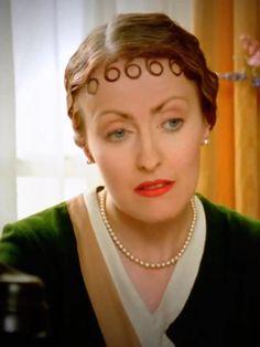 Just Skirts and Dresses: Miss Lemon wardrobe files: Green pieces Agatha Christie's Poirot, Hercule Poirot, Mystery Film, Mystery Series, Best Mysteries, Murder Mysteries, David Suchet, Miss Marple, Crime Fiction