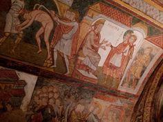 Dans la crypte de l'abbaye de Saint-Savin-sur-Gartempe. Poitou-Charentes