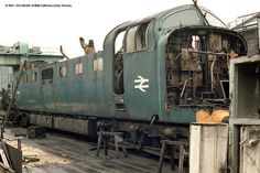 End of a legend: 55011 (The Royal Northumberland Fusilers) in the scrap yard at BREL Doncaster - © 2014 - Models of Hull Collection. photographed by John Turner. Train Pictures, World Pictures, Electric Locomotive, Diesel Locomotive, Steam Trains Uk, Union Pacific Train, Derelict Places, Abandoned Train, Electric Train