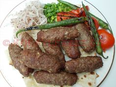 EV USULÜ LÜLE KEBABI YAPIMI (Bakü, Azerbaycan) Meatball Recipes, Meat Recipes, Dinner Recipes, Breakfast Recipes, Cooking Recipes, Russian Recipes, Turkish Recipes, Italian Recipes, Bulgogi