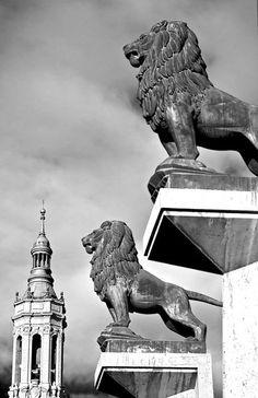Zaragoza-Los guardianes  Spain
